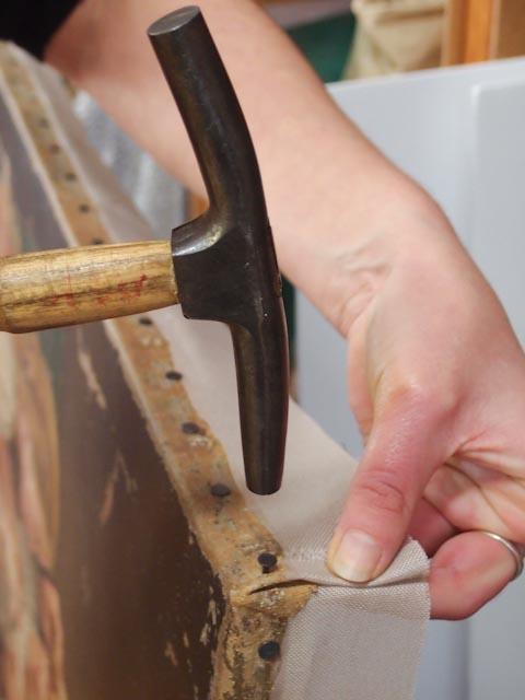 Remontage d'un tableau sur son châssis